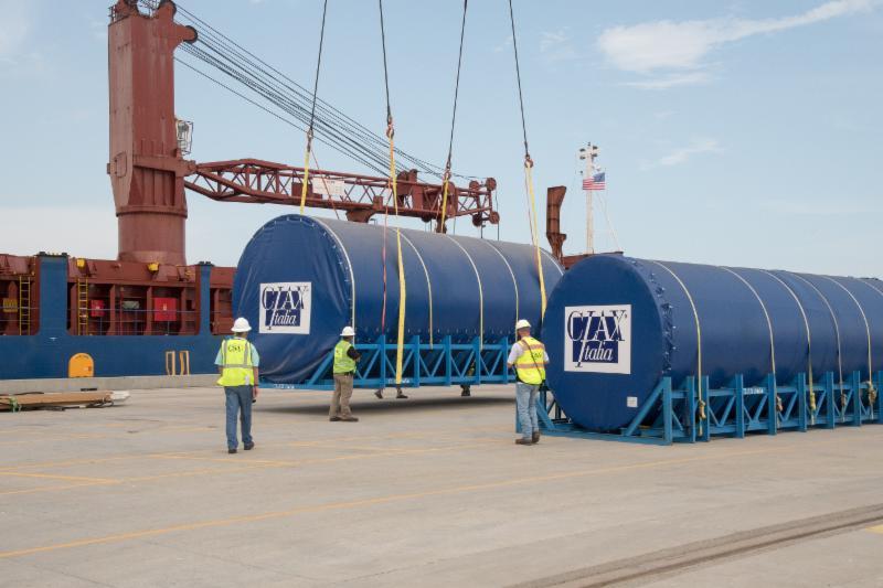 Mississippi Aquarium Acrylic Arrives at the Port of ...